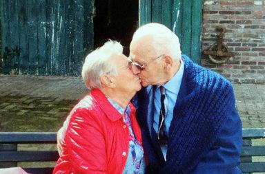 Casal idosos, reencontro após 72 anos, Ago17