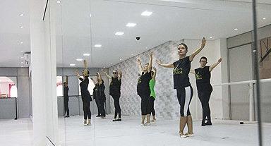 Atividades como dança para idosos ajudam a adiar o surgimento de demências, Set17